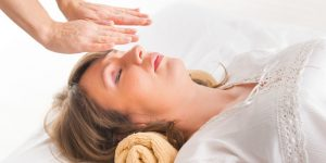 Beehive Healthcare | Aromatherapy, Acupuncture and Hypnotherapy | reiki image