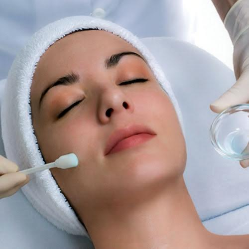 Beehive Healthcare | Facial Peels, Skin Rejuvination and Aromatherapy | Chemical Peel